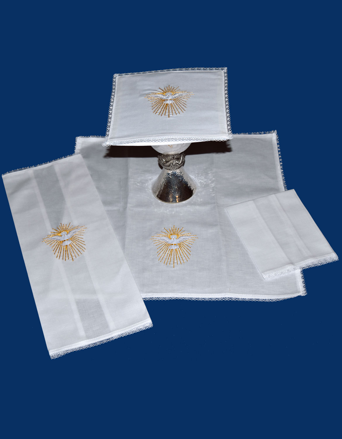 Mass Linen Set | Holy Spirit