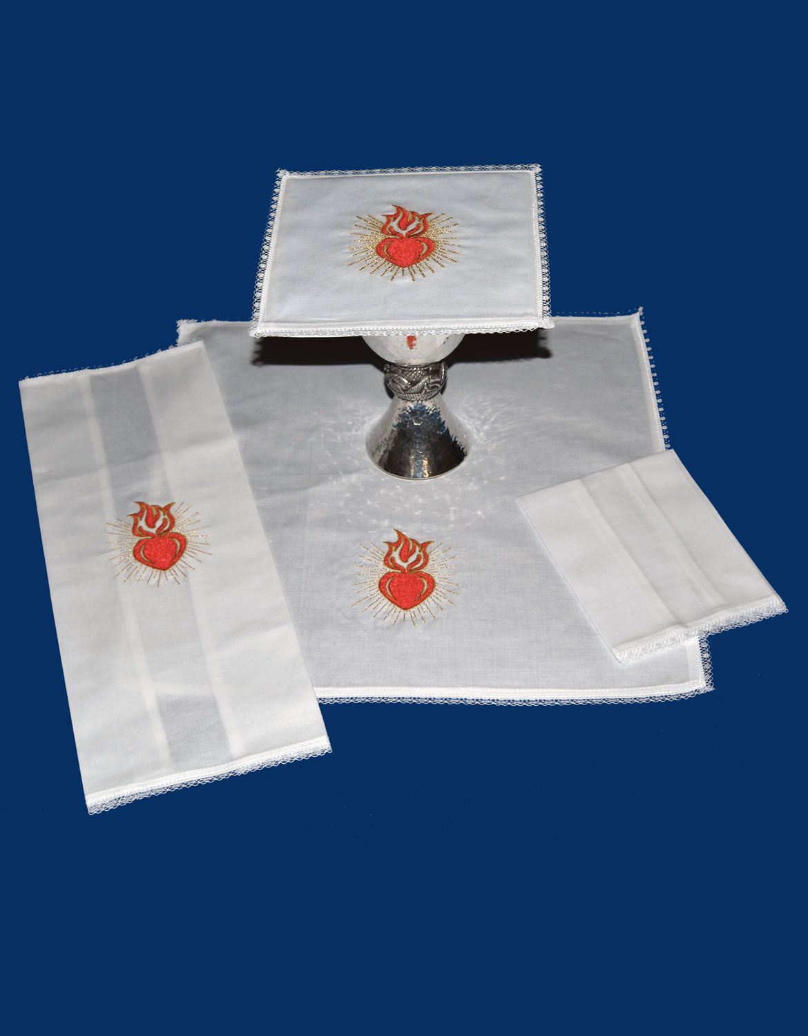 Mass Linen Set | Sacred Heart